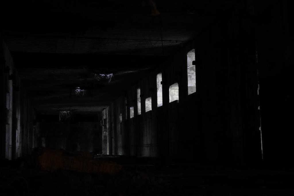 Das Bunkerinnere im Dunkeln